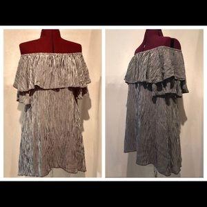 NEW WANDERLUX Off The Shoulder Boho Ruffle Dress